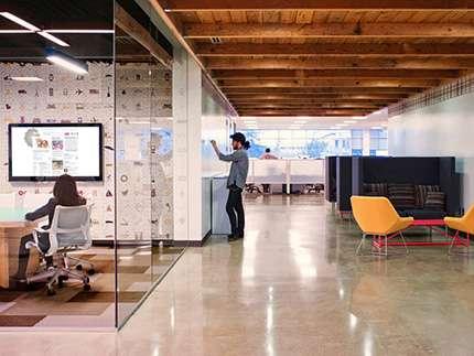 Заказать современные наливные полы для офиса